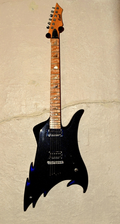 Custom Lund Guitar/ALAXE2